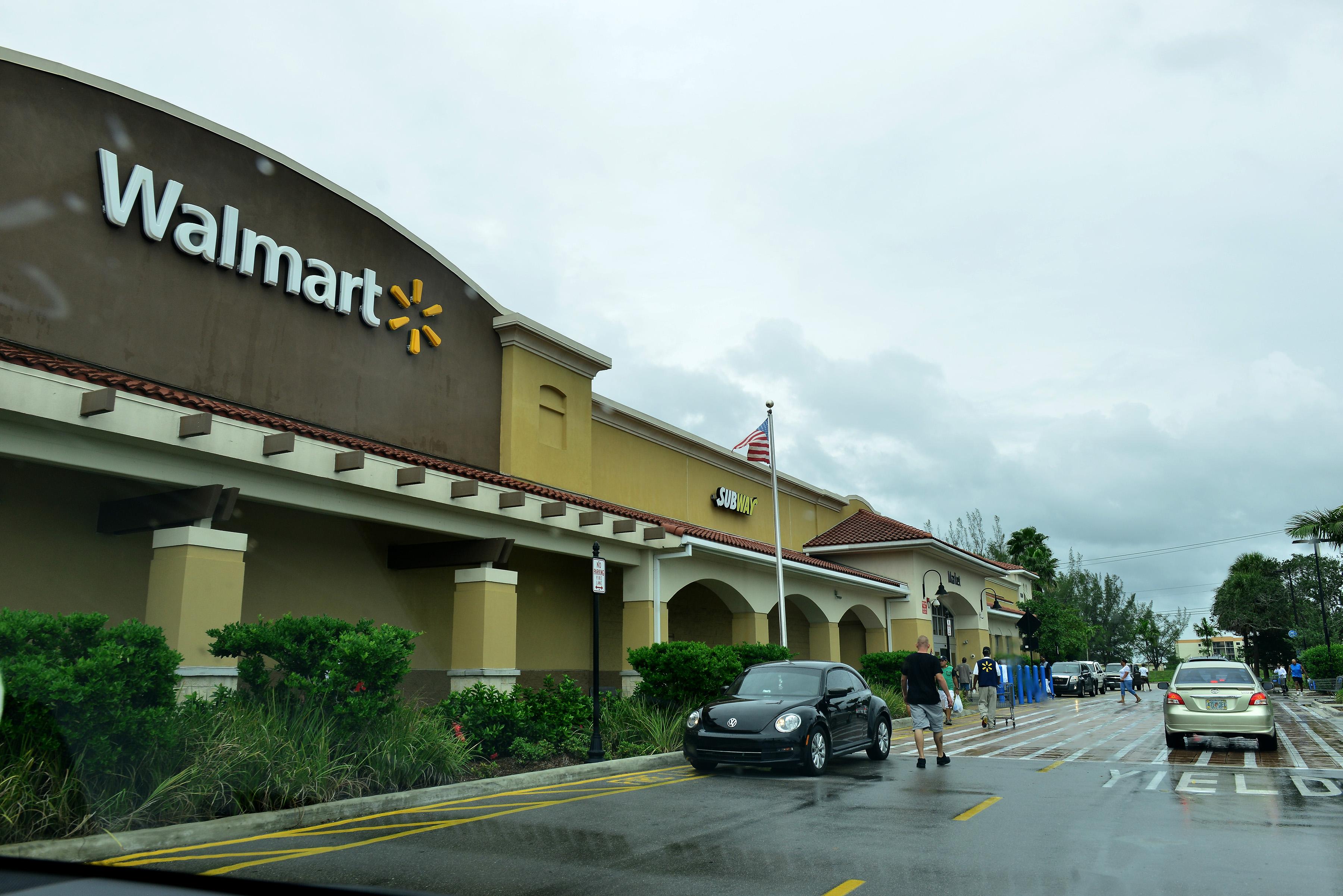 Florida prepares for Hurricane Matthew