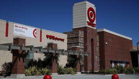 Target To Raise Minimum Wage As Labor Market Tightens