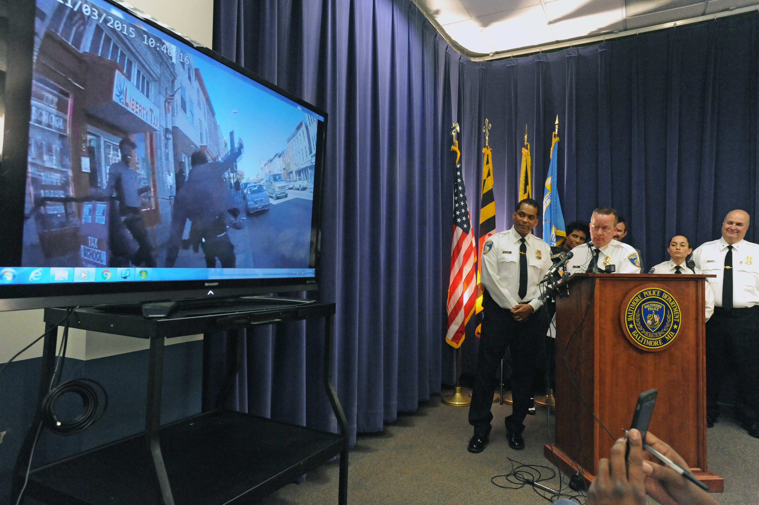Baltimore officers on body camera pilot: ëWhen can we get these back?í