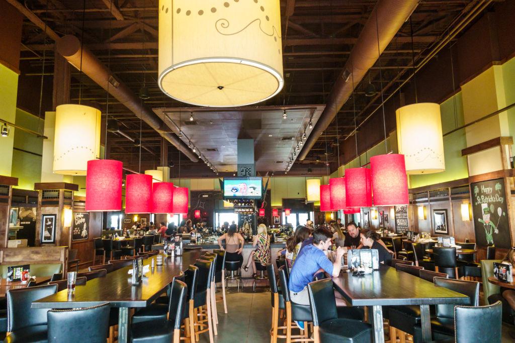 Miami, Bar Louie restaurant